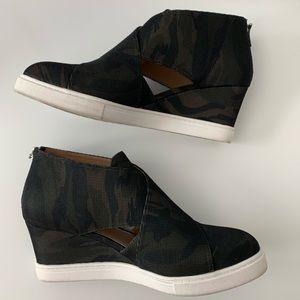 Linea Paolo Camo Faith Wedge Sneaker